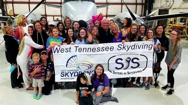 Sisters in Skydiving group picture